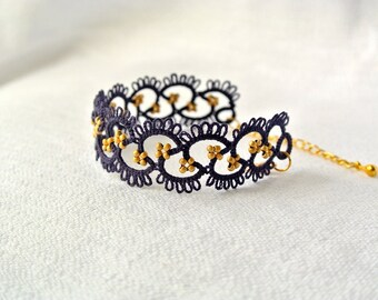 Blue and gold tatted lace bracelet | frivolitè | tatted beaded bracelet | made in Italy | fiber jewelry | adjustable bracelet