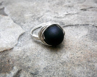 Chunky Black Ring, Black Glass Ring, Wire Wrapped Ring, Silver Ring, Wire Wrapped Jewelry Handmade, Glass Bead Ring, Chunky Ring