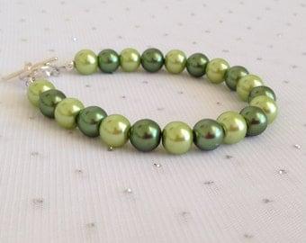 Sage Green Pearl Bracelet, Green Bridesmaid Jewelry, Green Wedding Jewelry, Bridesmaid Gift, Olive Green Jewelry, Green Bracelet