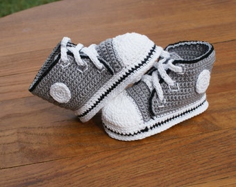 Crochet Baby Converse Shoes Pattern : Red Converse Thread Crochet Baby Shoes