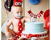 Custom crown, Red Birthday Boy Crown, Felt Crown, Birthday Girl, photo prop, photography prop, baby birthday