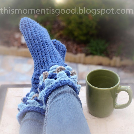 Loom Knitting Patterns For Slippers : Loom Knit Scallop Stitch Slipper Sock PATTERN Similar to