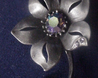 Brooch with Iridescent Rhinestone by Silver Starrs©