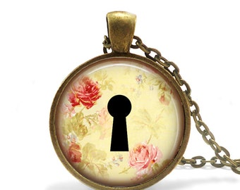 Key to my heart keyhole necklace, Floral jewelry floral print pendant keyhole necklace, Floral print pendant keyhole jewelry, Floral pendant