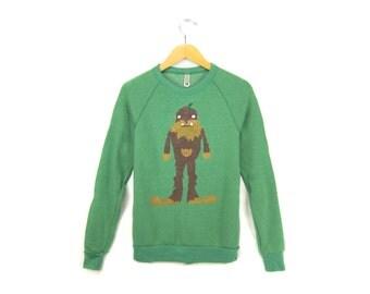 Bigfoot the Squatch Sweatshirt - Crew Neck Fleece Mens Raglan Sweater in Heather Forest Green & Brown Fur - Unisex Size S-3XL Q