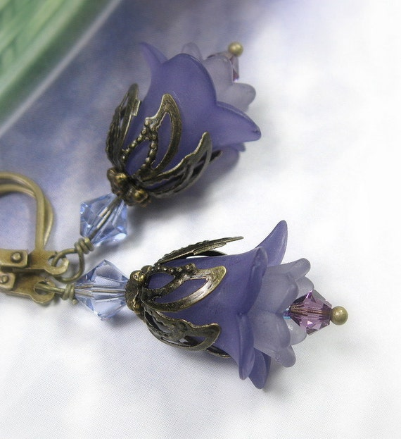 Purple Flower Earrings, Vintage Style Jewelry, Lucite Flower Earrings, Flower Earrings, Lilac, Tanzanite, Floral Jewelry, Gifts Under 25