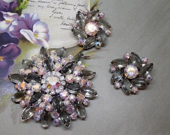 Large JULIANA Silver Gray Snowflake Rhinestone Brooch & Earrings Set    KAZ3
