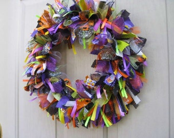 Halloween Wreaths, Trick or Treat Decor, Halloween Fabric Wreath Ribbon Wreath, Halloween Decoration, Fall Wreaths, Halloween Fall Decor
