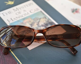 Tortoiseshell Sunglasses - 90s Italian Handmade, high quality, classic design, CE safe level of sun protection