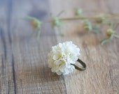White flower statement ring - floral ring - flower jewelry - flower wedding ring - botanical, nature inspired, woodland