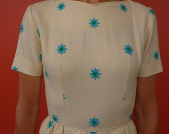 Helen Whiting 1950 Creme Embroidered Dress
