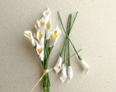 Mini Calla Lilies - 10 white mulberry paper flowers with wire stems - Great for dollhouses, card making, wedding favor & boutonnierres - SQUISHnCHIPS