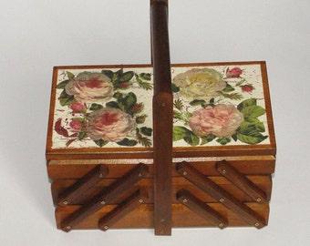 Sewing box. Cantilever sewing box. Thread box. Craft organizer. Accordion sewing box. Needles box. Jewelry box. Jewellery box. Rose