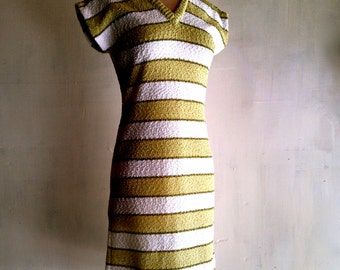 SALE 1960s Lime Green & Cream Bold Striped Fitted Knit w/ Cap Sleeves Back Zipper Fitted Shift Dress size M