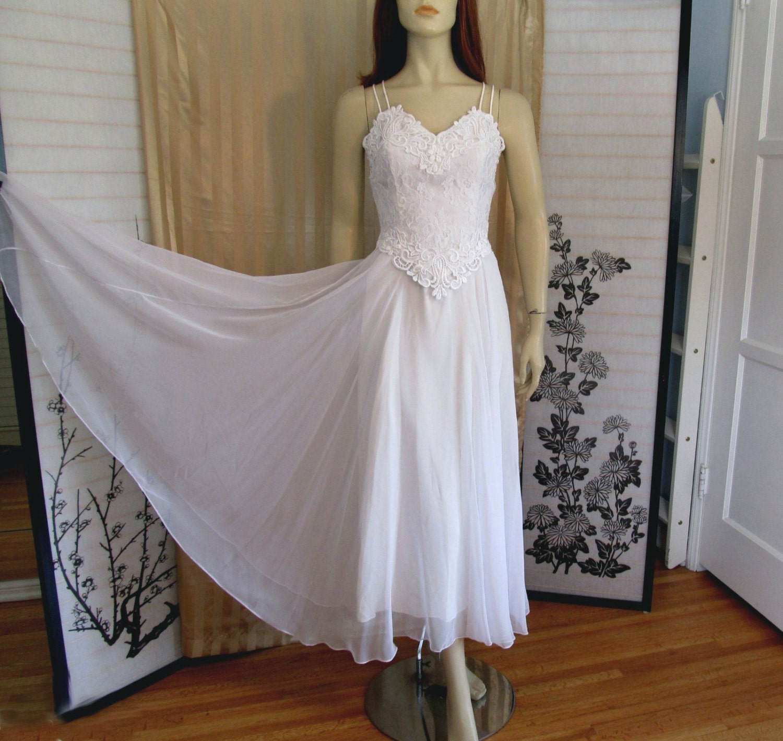 Vintage 80s Jessica McClintock White Crochet Lace Bodice Full