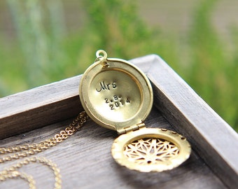 Wedding Locket, Mrs necklace, Wedding date necklace, Personalized Locket, Bridal Shower Gift, New Bride, Honeymoon necklace, Wedding gift