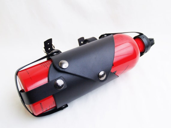 cuir moto carburant sling porte bouteille transporteur. Black Bedroom Furniture Sets. Home Design Ideas
