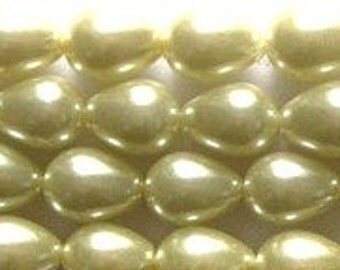 Gorgeous Champagne Butter Tear Drop Glass Pearls 9x7mm 8 in strand 22 beads Teardrop