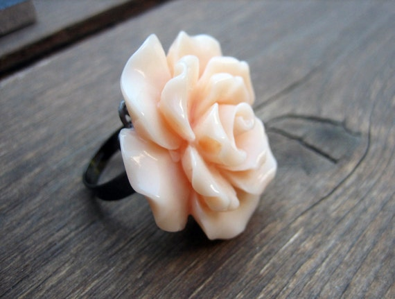 Flower Ring, Peach Ring, Statement Ring, Cocktail Ring, Statement Jewelry, Flower Jewelry, Resin Ring, Adjustable Ring, BUTTERCREAM
