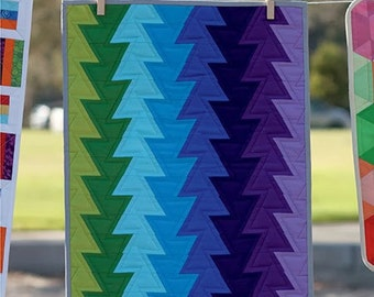 SALE - MINI Northern Lights quilt pattern wall hanging from Jaybird Quilts