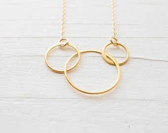 Gold Interlocking Ring Pendants Three Sisters Necklace 3 Circle Pendant Bright Gold Charms Gift for Sister Linking Circles Necklace
