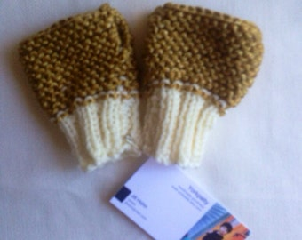 Mustard and beige fingerless mittens