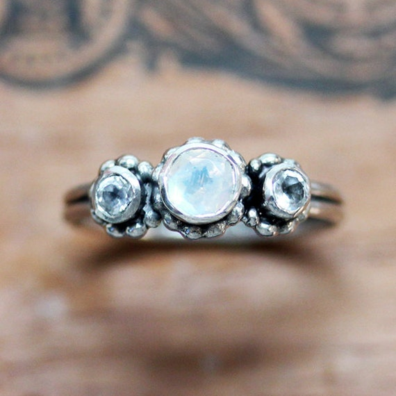 rainbow moonstone ring 3 stone ring mothers rings. Black Bedroom Furniture Sets. Home Design Ideas