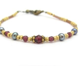 Garnet Bracelet, Pearl Bracelet, Garnet Pearl Bracelet, Yoga Zen, Gemstone Jewelry, Friendship Bracelet, Beaded Bracelet, Hawaii Jewelry