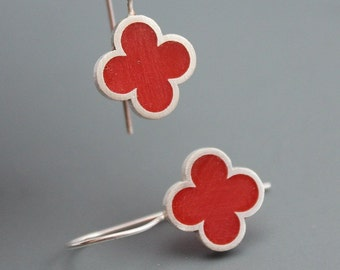 Quatrefoil Sterling Silver and Red resin Earrings