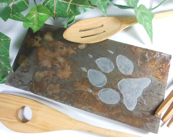 WOLF TRACK Spoon Rest Stone Carving - Hand Carved Natural Slate - Wolf Lover Gifts, Cabin Kitchen Decor, Trivet, Spoonrest, Charging Station