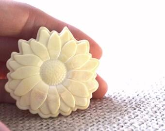 Celluloid Brooch, Ivory Brooch, Chrysanthemum Pin, 1950s Brooch, Vintage Brooch, Floral Brooch