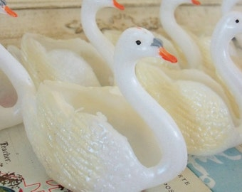 Vintage / Plastic Swan Party Favors / Six Items / Wedding Showers / Buttermints / Nut Cups / Retro Kitsch