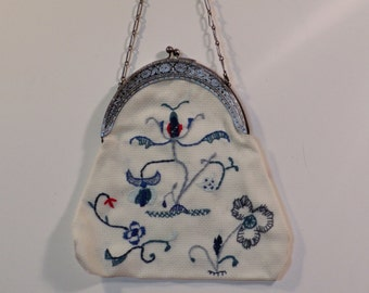 Handmade clasp purse with Deerfield embroidery