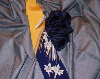 Leonard Vintage Incredible Beautiful Silk Necktie