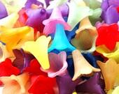 12 21mm Trumpet Flower Beads
