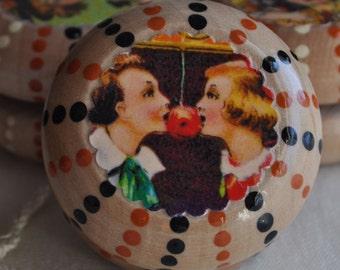 Wooden Yo-yo -- Halloween -- Young Love