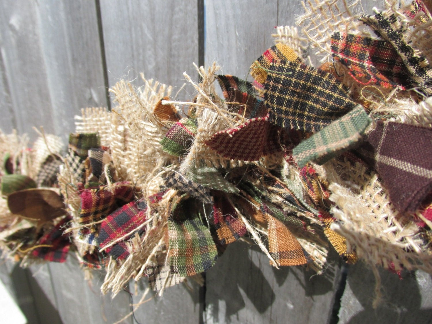 Crafters of all ages will enjoy making a primitive scrap ribbon Christmas tree ornament to gift or keep this holiday season. In this post, learn how to use shades of green and brown scrap ribbon to emulate the welcoming branches of a Christmas tree.
