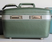 RESERVED~ Retro Green 1960'S Trolite Train Case
