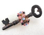 Handmade Lampwork Glass Bead Skeleton Key Dragonfly Eye Ivory Peach Silver Brown Raku Pink Blue Antique Vintage Artisan SRA -- Open Heart
