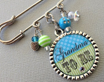 Grandma To Be pin, aunt To Be PERSONALIZED Bottle Cap - Mommy To Be, pregnancy announcement, Baby Shower, expecting mom, cirque bebe