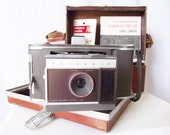 Vintage Polaroid Land Camera - J66 - Manual and Flash Bulbs - Great Display Piece