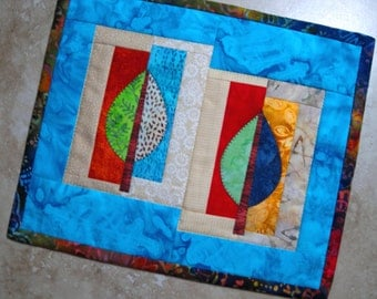 Mini Quilt LEAVES ON BLUE from Quilts by Elena