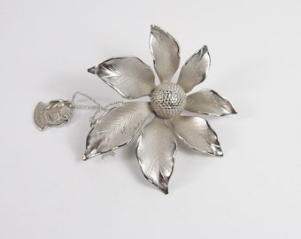 Giovanni New With Tag Flower Brooch Vintage 60s Jewelry