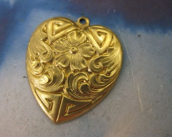 Raw Brass Ornate Heart Stampings Charms 400RAW  x2