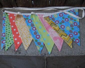 Ready to ship Daisies fabric flag banner teacher classroom nursery party outdoor bunting paisley polka dot