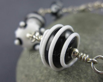 "Lampwork art glass bracelet, ""Yumbugs"", sterling silver bracelet, lampwork bracelet, art glass bracelet, monochrome bracelet, GBUK, SRA"