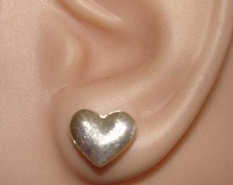 vintage sweet silver heart post back pierced earrings