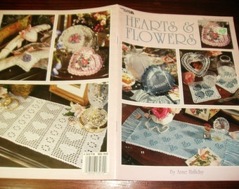 Thread Crochet Hearts and Flowers Leisure Arts 3079 Anne Halliday Crochet Pattern Leaflet