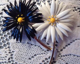 Vintage 60s Black & White Flowers Pin/Brooch by Triffari