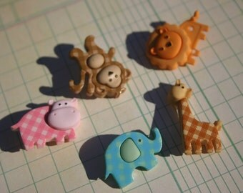Baby Animal Shank Buttons - Darling Detailed Sewing Button - 5 Buttons
